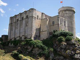 280px-Falaise_chateau_guillaume_conquerant_2